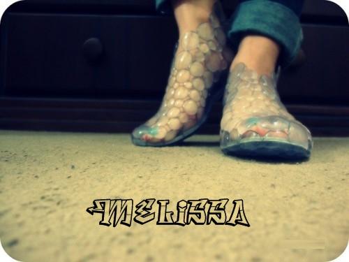Эластичная, водостойкая обувь от бразильской компании Melissa