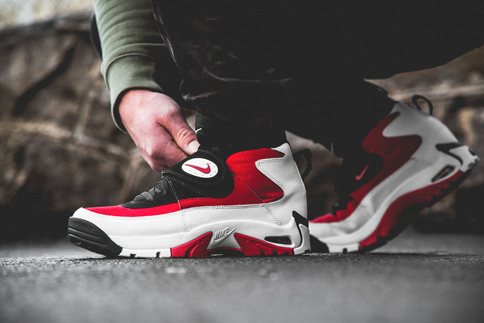 Nike Air Mission - Fire Red