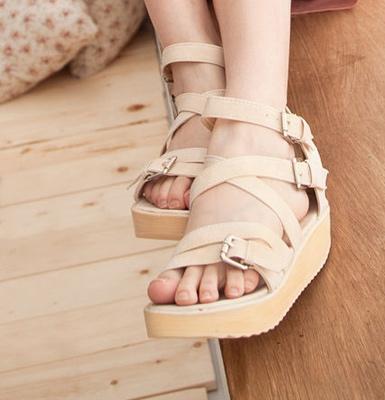 9f7950ac0 Купить обувь на танкетке недорого в интернет-магазине брендовой ...