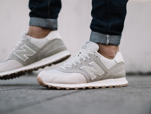 С сеткой New Balance ML574SEA