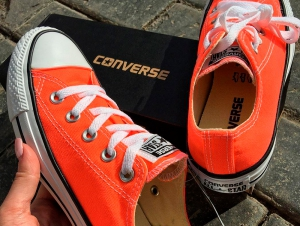 Кеды Converse Chuck Taylor All Star Seasonal Low Top Hyper Orange 155736C унисекс   (оранжевый)