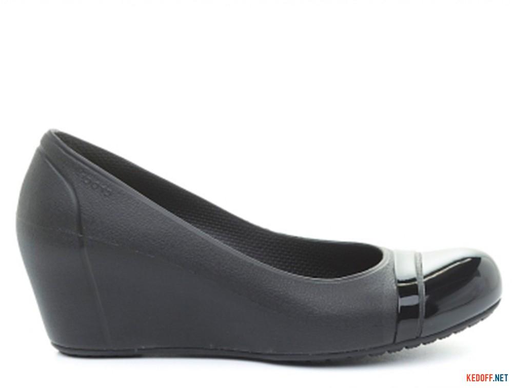 Женские на танкетке Crocs Cap Toe Wedge 12299-060-420   (чёрный)