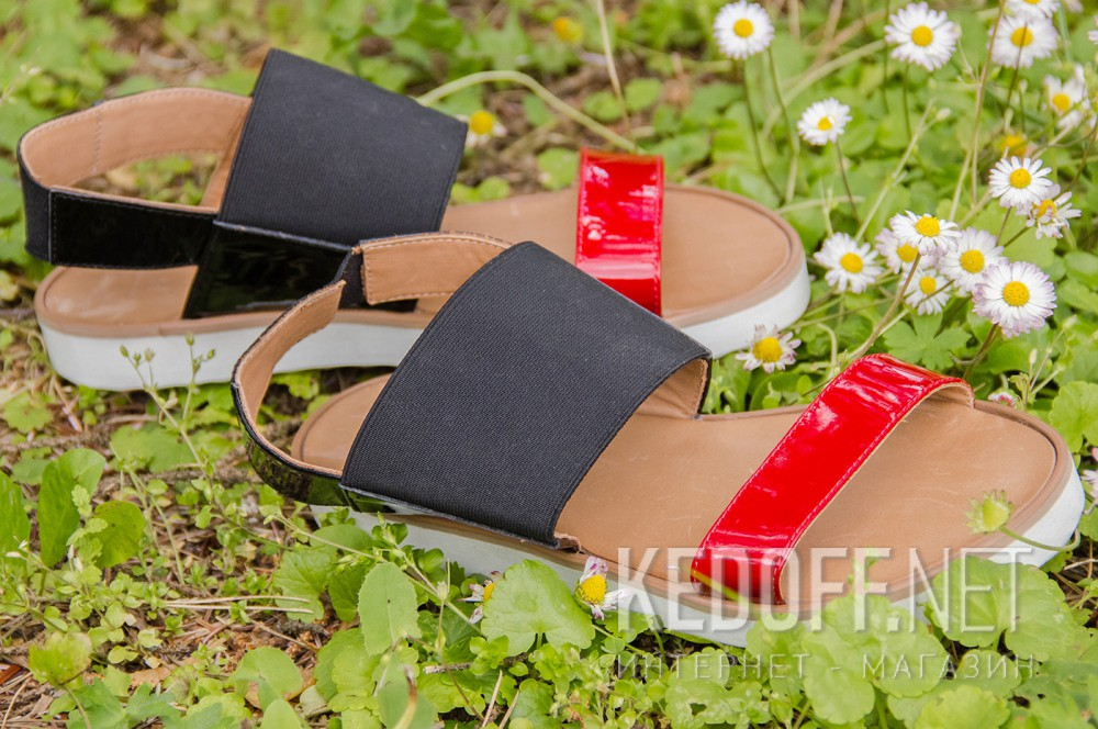 Жіночі сандалі Las Espadrillas 2247-27 Чорна лакова шкіра