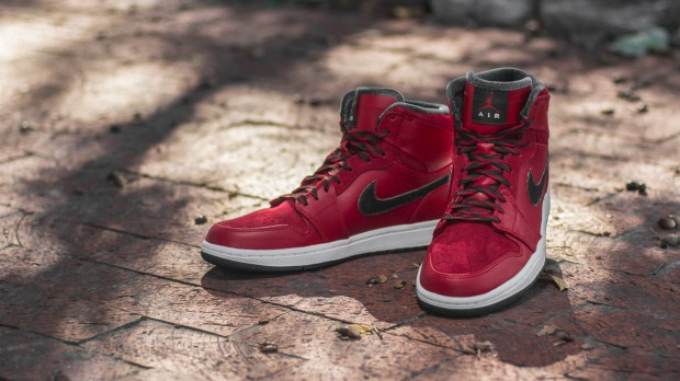 AIR JORDAN 1 RETRO HI PREMIER VARSITY RED-DARK ARMY