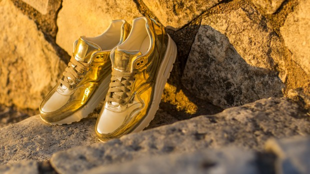 "NIKE WMNS AIR MAX 1 ""LIQUID METAL"""