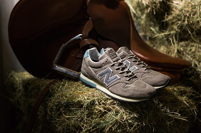 INVINCIBLE x New Balance MRL996INV