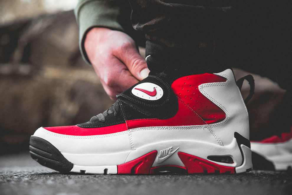 Nike Air Mission Fire Red